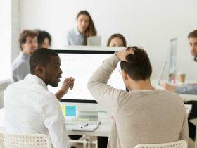 نحوه برخورد با اشتباهات همکار در محیط کار