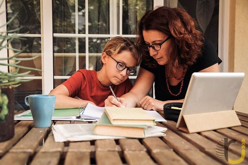 چگونه کودک خود را به درس خواندن در کرونا تشویق کنیم؟