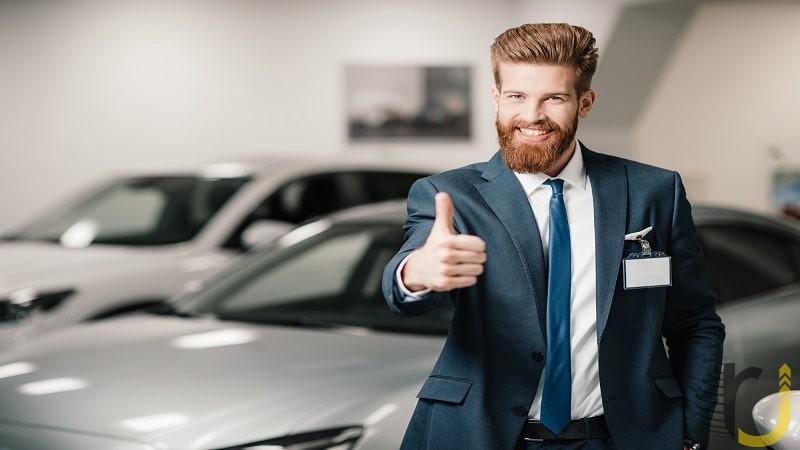 ویژگی های یک فروشنده حرفه ای چیست؟